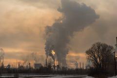 Pollution de fumée d'usine Photo libre de droits