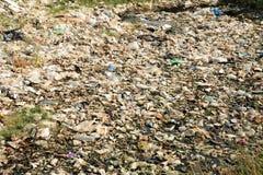 Pollution de plastique et de déchets Photographie stock libre de droits