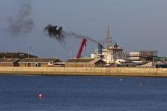 Pollution de soldat de marine et atmosphérique Image libre de droits