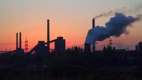 pollution environnementale écologique de photo de crise Fumée d'usine banque de vidéos