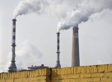 Pollution, fumée de cheminée Photographie stock libre de droits