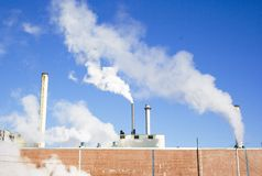 Pollution industrielle de moulin Photographie stock