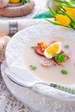Polnische Ostern-Suppe mit Ei Lizenzfreie Stockfotos