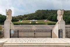 Polnischer Kriegs-Kirchhof bei Monte Cassino - ein Friedhof von polnischen Soldaten, die im Kampf von Monte Cassino starben Lizenzfreies Stockfoto