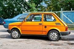 Polnisches Auto des Klassikers geparkt Stockfotos