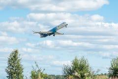Polnisches Flugzeug Fluglinien-Canadairs CRJ-900 Lizenzfreie Stockfotografie
