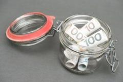 Polnisches Geld in einem Glas Stockfoto