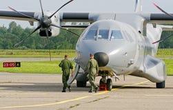 Polnisches Transportflugzeug der Luftwaffe CASEN C-295M. Lizenzfreie Stockfotografie