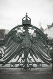 Polnisches Vogelsymbol Brückendetail stockbild