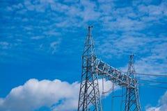 Polo de alto voltaje de la central eléctrica Foto de archivo