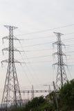 polo de la electricidad por la tarde imagen de archivo