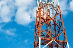 Polo de la torre de las telecomunicaciones Fotos de archivo libres de regalías