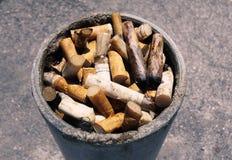 Polo de los extremos de cigarrillo Imagen de archivo