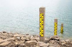 Polo de medição da água foto de stock