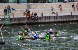 Polo di acqua sui kajak Fotografie Stock