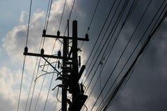 Polo eléctrico con nublado Fotografía de archivo libre de regalías