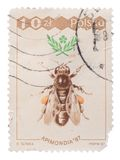 POLONIA - CIRCA 1987: Un sello impreso en abeja de las demostraciones, Fotografía de archivo