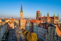 polonia Ciudad vieja de Gdansk en la salida del sol imagen de archivo libre de regalías