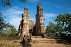 Polonnaruwa古城,一个菩萨雕象的照片在Lankatilaka Gedige的, 免版税库存照片