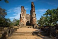 Polonnaruwa古城,一个菩萨雕象的照片在Lankatilaka Gedige的, 库存照片