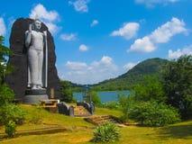 Polonnaruwa,斯里兰卡- 2009年5月01日:在寺庙-锡兰,联合国科教文组织的中世纪首都的雕塑 库存照片