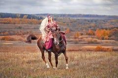 Polowanie z jeźdzami w jeździeckim przyzwyczajeniu Obrazy Stock
