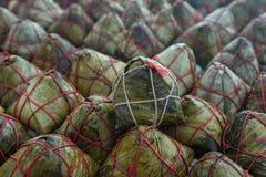 Polpette cinesi del riso sul cestino di bambù Fotografia Stock Libera da Diritti