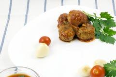 Polpette con salsa al pomodoro immagine stock