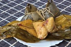 Polpette tradizionali cinesi del riso dell'alimento Immagini Stock