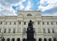 Polsk akademi av vetenskaper i Warszawa fotografering för bildbyråer