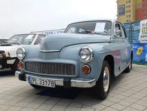 Polsk bil FSO Warszawa för antikvitet Arkivfoton