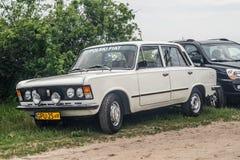 Polsk bil Polski Fiat 125p för klassiker Fotografering för Bildbyråer