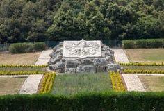 Polsk krigkyrkogård på Monte Cassino - en nekropol av polermedelsoldater som dog i striden av Monte Cassino från 11 till 19 Maj 1 Arkivbilder