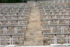 Polsk krigkyrkogård på Monte Cassino - en nekropol av polermedelsoldater som dog i striden av Monte Cassino från 11 till 19 Maj Royaltyfria Foton