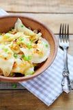 Polsk pierogi med potatisar arkivbild