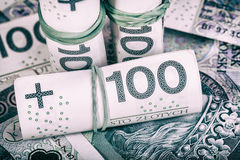 Polsk valuta PLN, pengar Spara rulle av sedlar av 100 PLN & x28; P Fotografering för Bildbyråer
