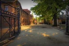 Polska Auschwitz 19-September -2018 widok żelazna brama wejście z szyldowym ` arbeit macht frei od koncentraci c, fotografia stock