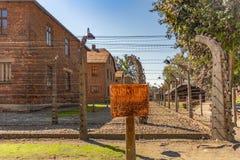 Polska auschwitz 19-September 2018 widok elektryczne sekretarki nazistowski koncentracyjny obóz Auschwitz i koszary zdjęcie stock
