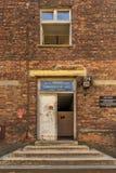 Polska Auschwitz Wrzesień 19, 2018 widok chory Barack Dr Joseph Mengele w nazi obozie Auschwitz obrazy royalty free
