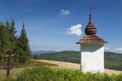 Polska, Gorce góry, Przydrożna świątynia Zdjęcia Stock