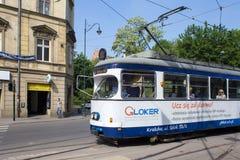 POLSKA KRAKOW, MAJ, - 27, 2016: Tramwaj SGP/Lohner E1 w historycznej części Krakow Zdjęcia Royalty Free