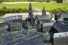 POLSKA KRAKOW, MAJ, - 27, 2016: Wzorcowy Wawel wzgórze z Królewskimi starymi grodowymi i innymi budynkami Zdjęcie Stock