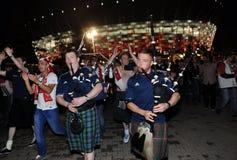Polska och scotish fotbollsfan Arkivfoto