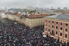 Polskt kvinnaslag mot abortförbud Fotografering för Bildbyråer