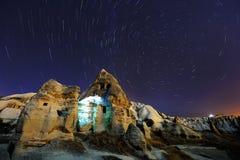 Polstjärnanslingor i Cappadocia, Turkiet Royaltyfria Bilder