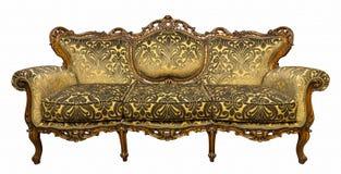 Poltrona dorata di lusso d'annata del sofà isolata su bianco immagine stock libera da diritti