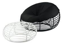 Poltrona e tamborete de aço pretos modernos Imagens de Stock Royalty Free