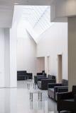 Poltronas em uma sala de espera Imagem de Stock