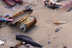 Poluição da praia Imagens de Stock Royalty Free
