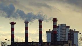 Poluição do ar da combustão do carvão e do fuel-óleo na estação do calor filme